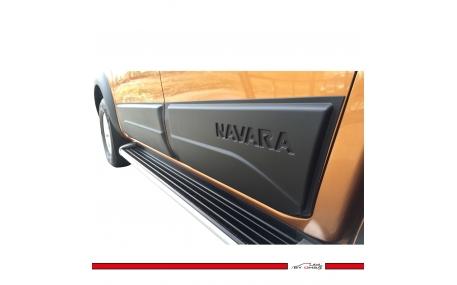 Молдинги дверей Nissan Navara
