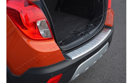 Накладка на задний бампер Chevrolet Tracker