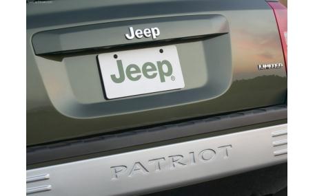 Накладка на задний бампер Jeep Patriot