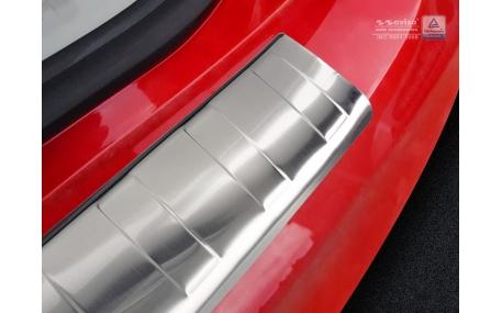 Накладка на задний бампер Toyota Prius