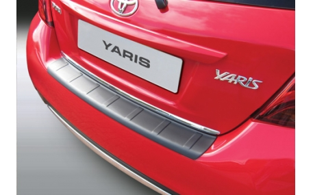 Накладка на задний бампер Toyota Yaris