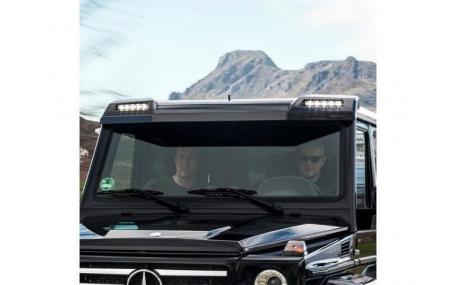 Козырек Mercedes G-class W463