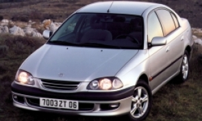 Avensis (1997-2003)
