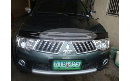 Дефлектор капота Mitsubishi Pajero Sport