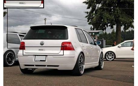 Накладка задней двери Volkswagen Golf 4