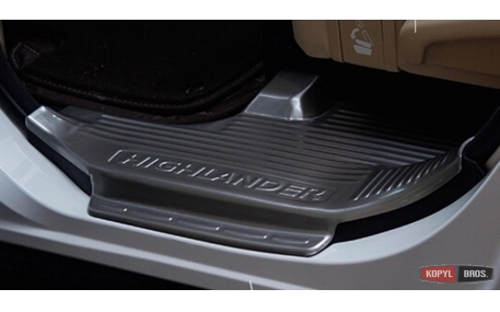 Накладки на пороги Toyota Highlander