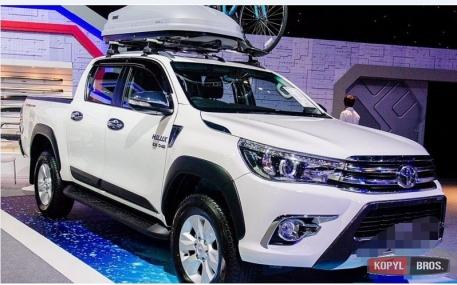 Молдинги дверей Toyota Hilux