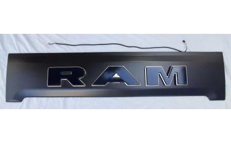 Накладка на задний борт Dodge RAM