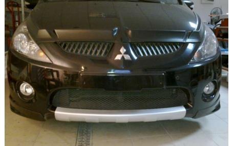 Накладка передняя Mitsubishi Grandis