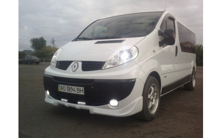 Накладка передняя Opel Vivaro