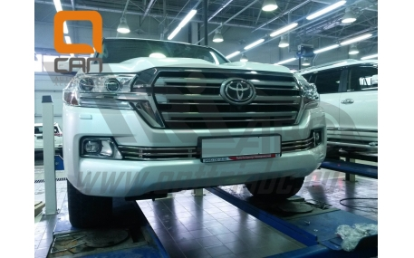 Решетка радиатора Toyota Land Cruiser 200