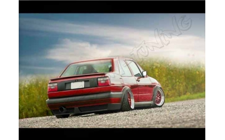 Накладка задняя Volkswagen Jetta