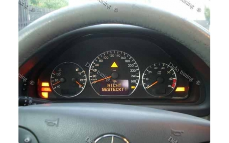 Кольца в щиток приборов Mercedes