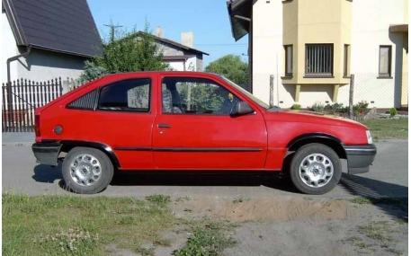 Молдинги дверей Opel Kadet
